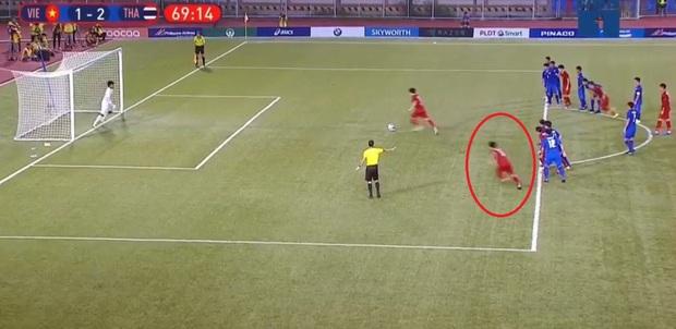 Vì sao U22 Việt Nam được trọng tài cho đá lại quả phạt đền? - Ảnh 8.