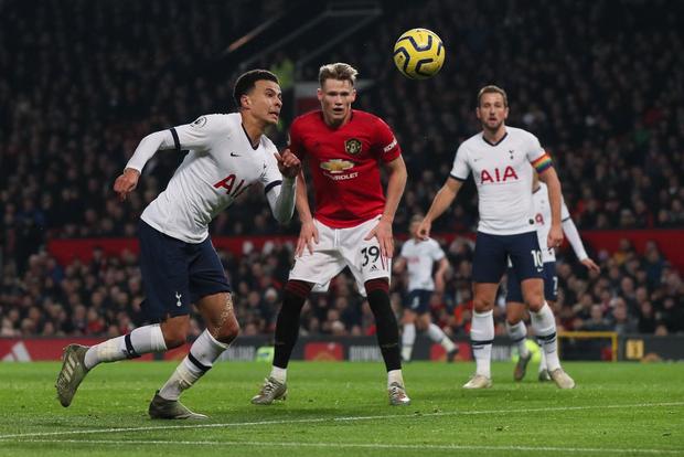 Son Heung-min hoàn toàn vô hại, Tottenham Hotspur đầu hàng trước Man Utd tại Old Trafford - Ảnh 1.