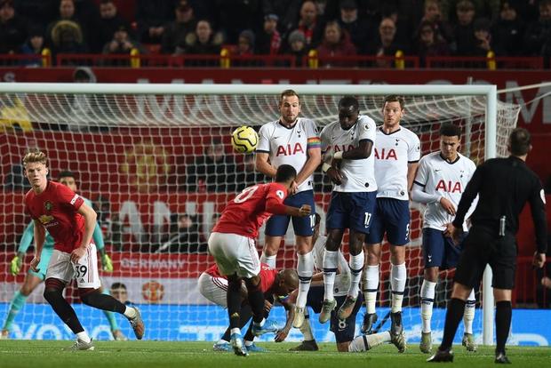 Son Heung-min hoàn toàn vô hại, Tottenham Hotspur đầu hàng trước Man Utd tại Old Trafford - Ảnh 4.