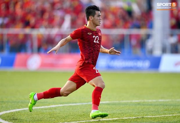 Trợ lý HLV Park Hang-seo bất ngờ phải nhận thẻ vàng trong trận U22 Việt Nam gặp U22 Thái Lan - Ảnh 9.