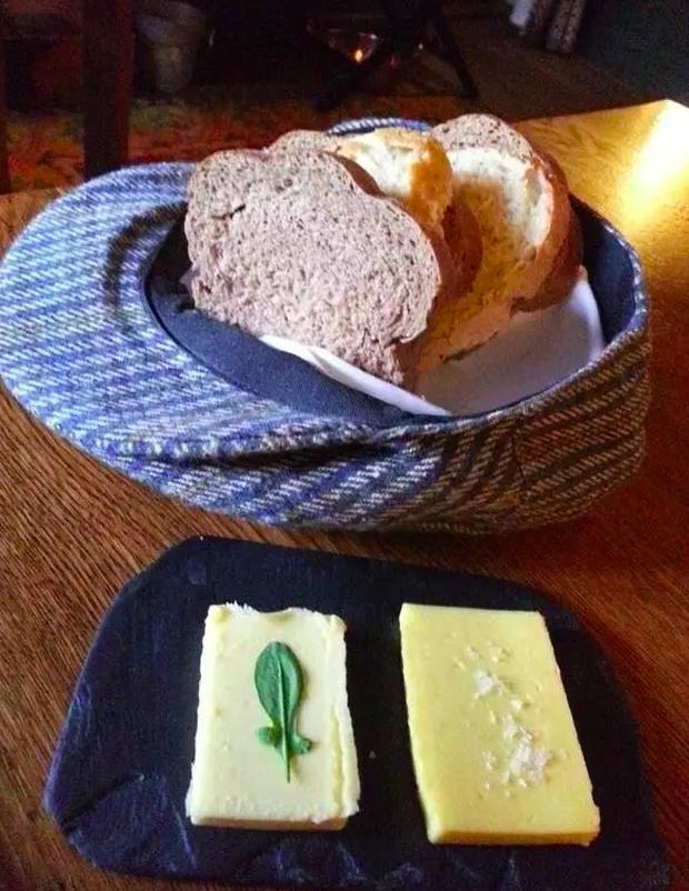 """Những pha trình bày món ăn như… muốn đuổi khách đi của các nhà hàng dị nhất thế giới, cẩn thận xem xong """"nghẹn""""! (Phần 2) - Ảnh 1."""