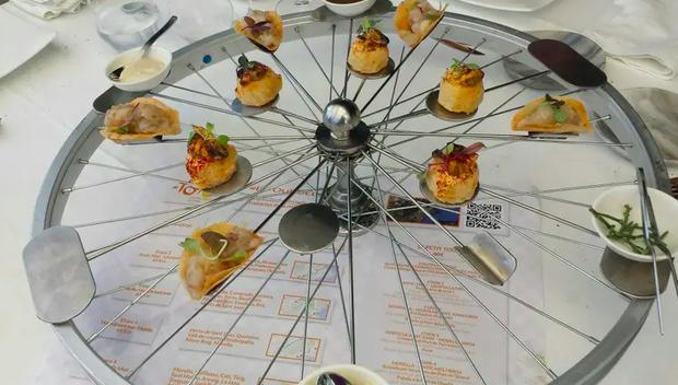 """Những pha trình bày món ăn như… muốn đuổi khách đi của các nhà hàng dị nhất thế giới, cẩn thận xem xong """"nghẹn""""! (Phần 2) - Ảnh 11."""