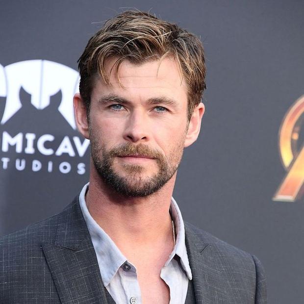 Soi vòng một lực lưỡng của 10 soái ca Hollywood: Sốc trước thời còn son của ông chú bụng bia Leonardo DiCaprio - Ảnh 34.