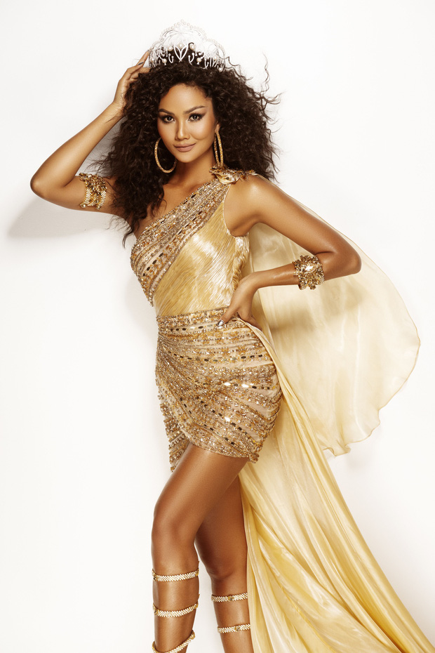 HHen Niê đẹp như nữ thần trong bộ ảnh khép lại nhiệm kỳ Hoa hậu Hoàn vũ: 2 năm qua đã quá xuất sắc rồi! - Ảnh 3.
