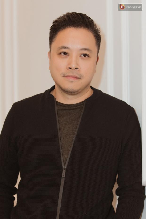 Đạo diễn Victor Vũ: Mắt Biếc là một thử thách lớn, an toàn quá thì tôi đã không làm - Ảnh 1.