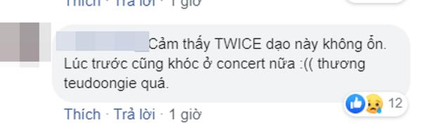 Fan hoang mang tột độ khi lộ khoảnh khắc Nayeon (TWICE) buồn bã bật khóc lúc xem TXT trình diễn ở MAMA 2019 - Ảnh 9.