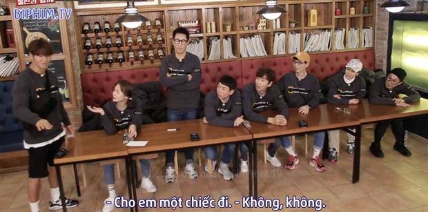 Fan SpartAce được dịp chèo thuyền khi Jong Kook ra mặt bảo vệ Ji Hyo khỏi hình phạt - Ảnh 2.