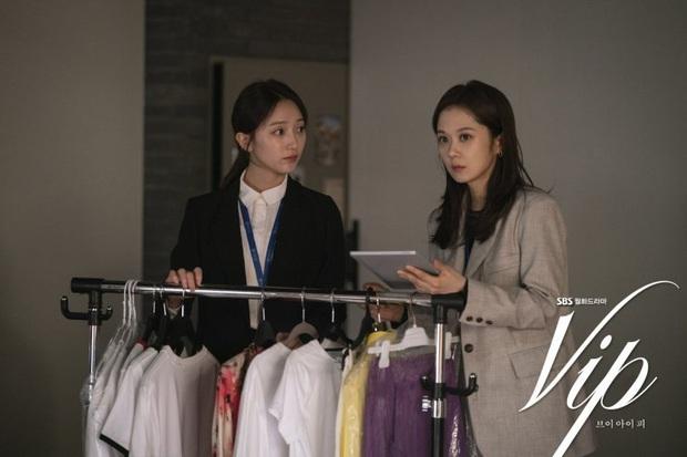 Review Vị Khách Vip: Kì án ngoại tình hấp dẫn nhất màn ảnh Hàn, tóm được tiểu tam lại thấp thỏm chờ Jang Nara trả thù - Ảnh 7.