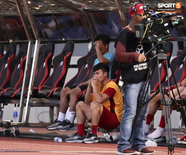 Bác sĩ U22 Việt Nam nói Quang Hải nghỉ hết SEA Games 30, mâu thuẫn với câu trả lời của HLV Park Hang-seo - Ảnh 2.