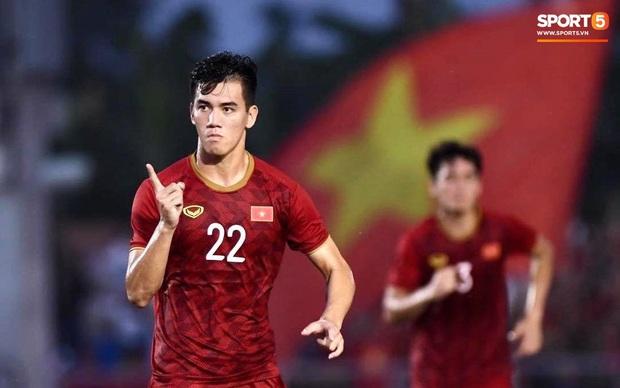 Vì sao U22 Việt Nam được trọng tài cho đá lại quả phạt đền? - Ảnh 9.