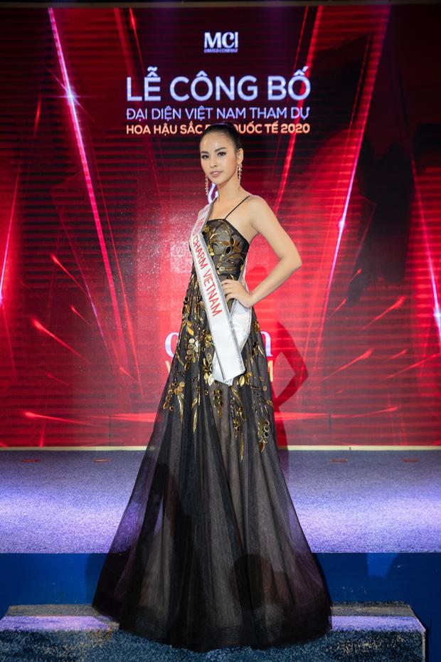 Soi info của mỹ nhân Việt chinh chiến Miss Charm International: Lột xác từ body mũm mĩm thắng giải Á khôi, bắn tiếng Anh như gió! - Ảnh 1.
