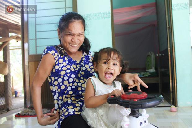 Cuộc sống đổi thay của người mẹ điên từng bị hiếp dâm đến sinh con ở Trà Vinh: Căn nhà nhỏ đã tràn ngập tiếng cười - Ảnh 1.