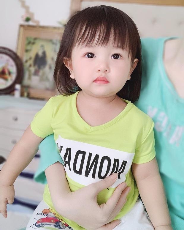 2 nhóc tỳ nhà Trang Pilla: Thừa hưởng hết nét đẹp từ bố mẹ, hứa hẹn trở thành rich kid đình đám trong tương lai - Ảnh 3.