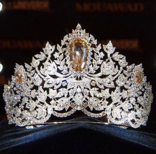 Chính thức lộ diện vương miện khủng 116 tỷ của Miss Universe 2019: Hoàng Thùy liệu có thể mang về Việt Nam? - Ảnh 3.