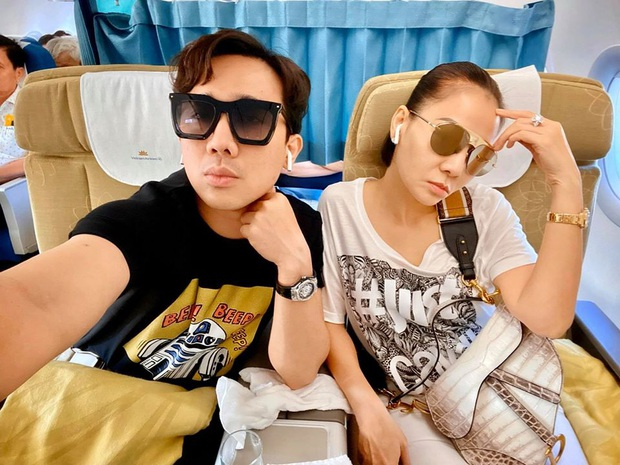 Trấn Thành bay tới Nha Trang trước thềm chung kết Hoa hậu Hoàn vũ 2019, ai ngờ lại hội ngộ Thu Minh - Ảnh 1.