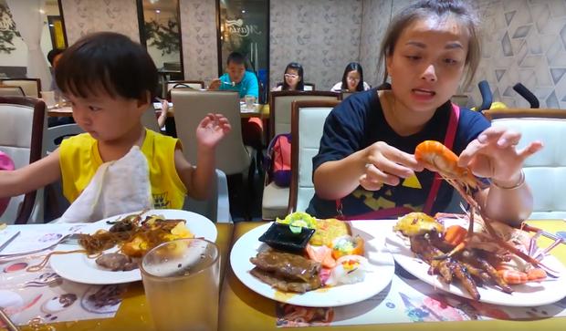 Quỳnh Trần JP tiết lộ mẹo nhỏ để đi ăn buffet được hời nhất, vừa dứt lời thì chị đi làm điều ngược lại! - Ảnh 15.