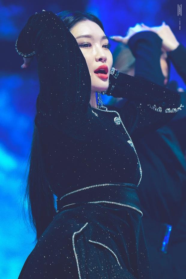 Chỉ hơn 2 năm debut solo đã bỏ túi loạt thành tích đáng tự hào, danh hiệu nữ hoàng Kpop thế hệ mới không ai xứng đáng hơn Chungha! - Ảnh 3.