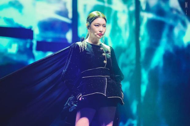 Chỉ hơn 2 năm debut solo đã bỏ túi loạt thành tích đáng tự hào, danh hiệu nữ hoàng Kpop thế hệ mới không ai xứng đáng hơn Chungha! - Ảnh 1.
