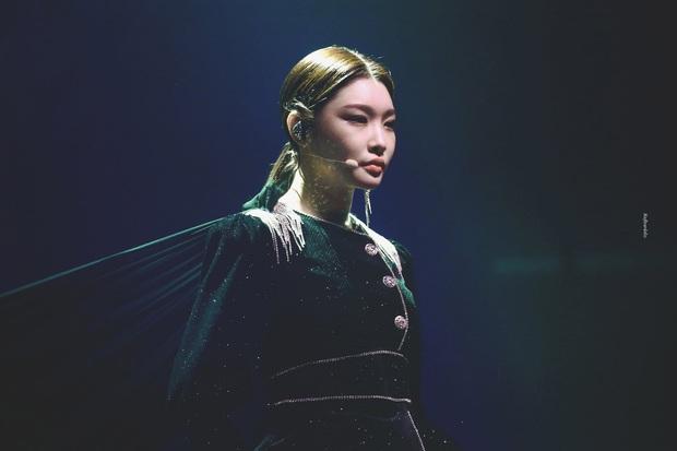 Chỉ hơn 2 năm debut solo đã bỏ túi loạt thành tích đáng tự hào, danh hiệu nữ hoàng Kpop thế hệ mới không ai xứng đáng hơn Chungha! - Ảnh 24.