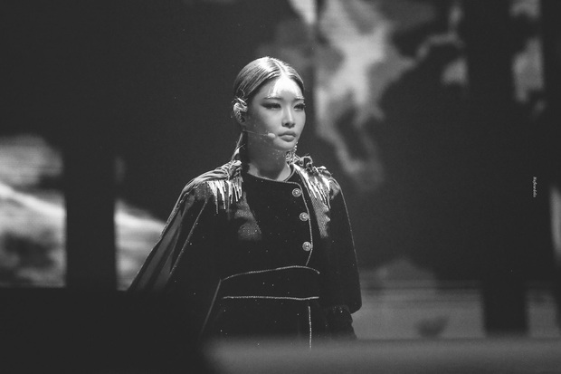 Chỉ hơn 2 năm debut solo đã bỏ túi loạt thành tích đáng tự hào, danh hiệu nữ hoàng Kpop thế hệ mới không ai xứng đáng hơn Chungha! - Ảnh 25.