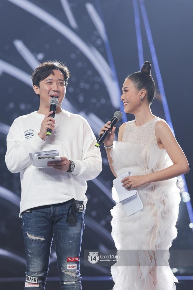 Thu Minh, Trọng Hiếu diễn cực sung, cùng HHen Niê và dàn thí sinh tổng duyệt trước giờ G chung kết Hoa hậu Hoàn vũ - Ảnh 18.