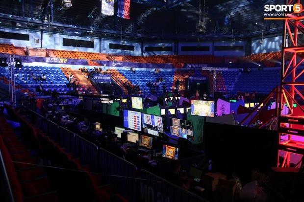 Khám phá địa điểm thi đấu Esports: Xứng đáng nhận danh hiệu hoành tráng nhất SEA Games 30 nhưng lại không hề có khán giả - Ảnh 2.
