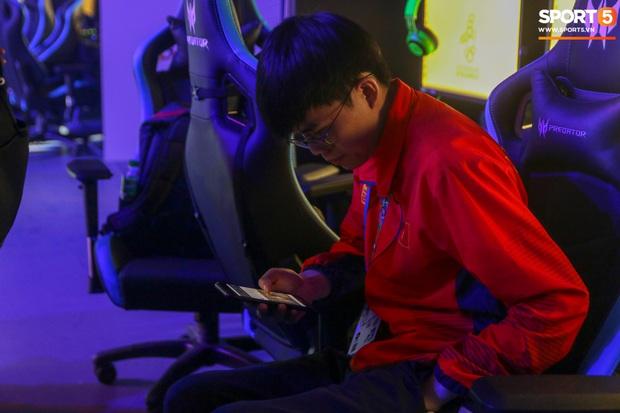 Mocha ZD Esports (Liên Quân mobile) khốn khổ vì BTC khi đến kiểm tra thiết bị trước ngày tranh tài tại SEA Games 30 - Ảnh 5.