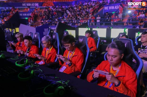 Mocha ZD Esports (Liên Quân mobile) khốn khổ vì BTC khi đến kiểm tra thiết bị trước ngày tranh tài tại SEA Games 30 - Ảnh 7.