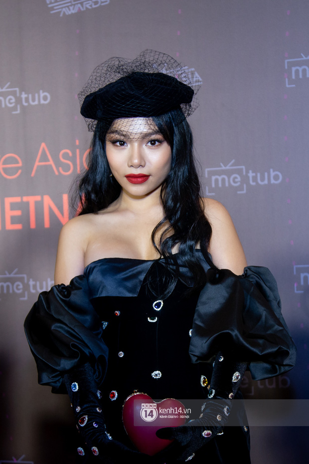 Thảm đỏ WebTVAsia Awards 2019: Nhã Phương, Chi Pu đồng loạt khoe vai thon gợi cảm, cùng dàn nghệ sĩ châu Á tự tin khoe sắc - Ảnh 14.