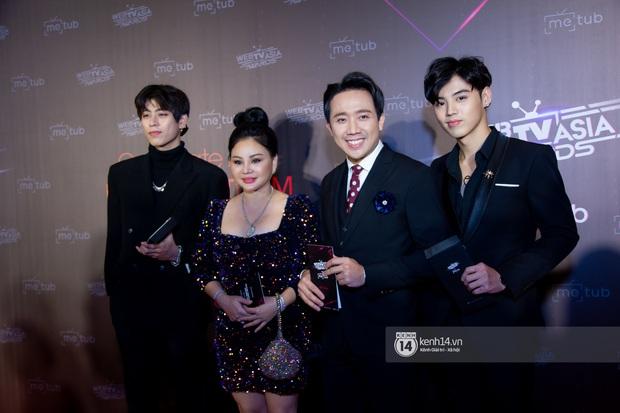 Thảm đỏ WebTVAsia Awards 2019: Nhã Phương, Chi Pu đồng loạt khoe vai thon gợi cảm, cùng dàn nghệ sĩ châu Á tự tin khoe sắc - Ảnh 3.