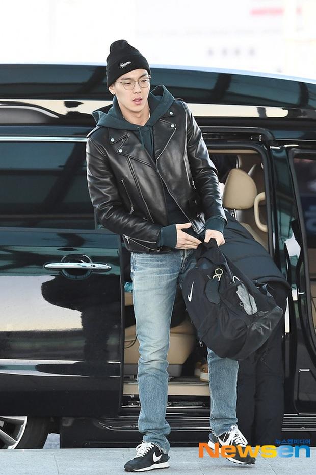 Dàn sao Hàn gây náo loạn sân bay: Jaejoong và Lee Da Hae cực nổi, nhưng nam thần hiện tượng Rowoon mới là tâm điểm - Ảnh 11.