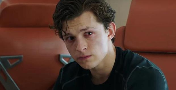 Tom Holland rượu vào lời ra, cả gan van xin chủ tịch Disney cứu Spider-Man được ở lại MCU - Ảnh 3.