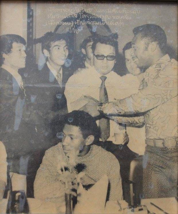 Ký ức đau thương của bóng đá Campuchia: Khi cầu thủ phải ăn sâu bọ, lá cây để sống sót - Ảnh 3.