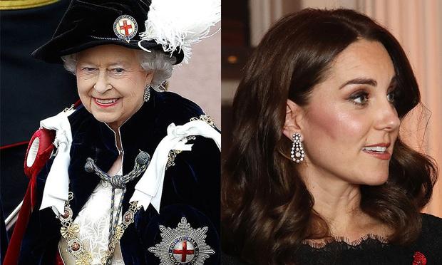 Không phải nữ nhân Hoàng gia nào cũng được dùng chung trang sức với Nữ hoàng Anh, nhưng cháu dâu Kate Middleton thì có - Ảnh 7.