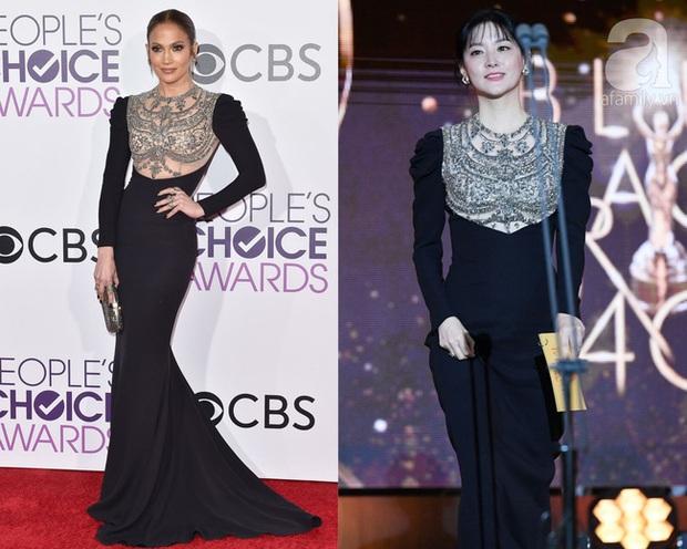 Một chiếc váy hai thái cực: Lee Young Ae nền nã, J.Lo thì không giấu nổi vẻ sexy bức người dù mặc khá kín đáo - Ảnh 8.