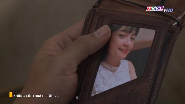 Xem Không Lối Thoát tập 29 để thấy cái ác lây qua đường tình yêu: vợ tương lai của Minh kệ em gái hấp hối vẫn không cứu! - Ảnh 8.