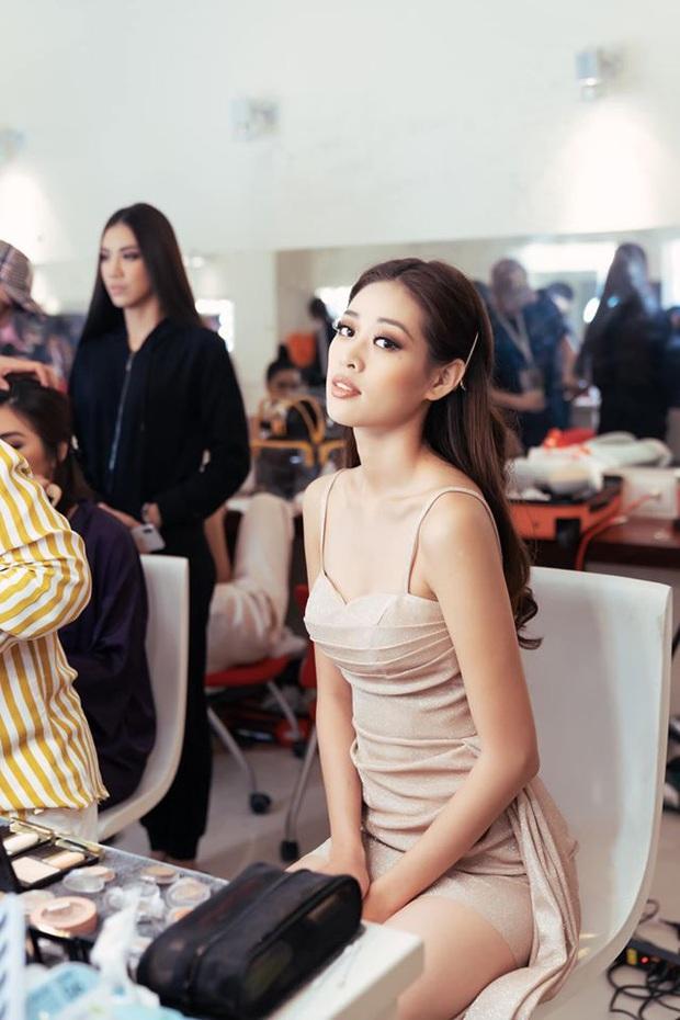Đột nhập hậu trường Hoa hậu Hoàn vũ Việt Nam trước giờ G chung kết: Top 45 đã sẵn sàng bùng nổ để chinh phục vương miện - Ảnh 4.