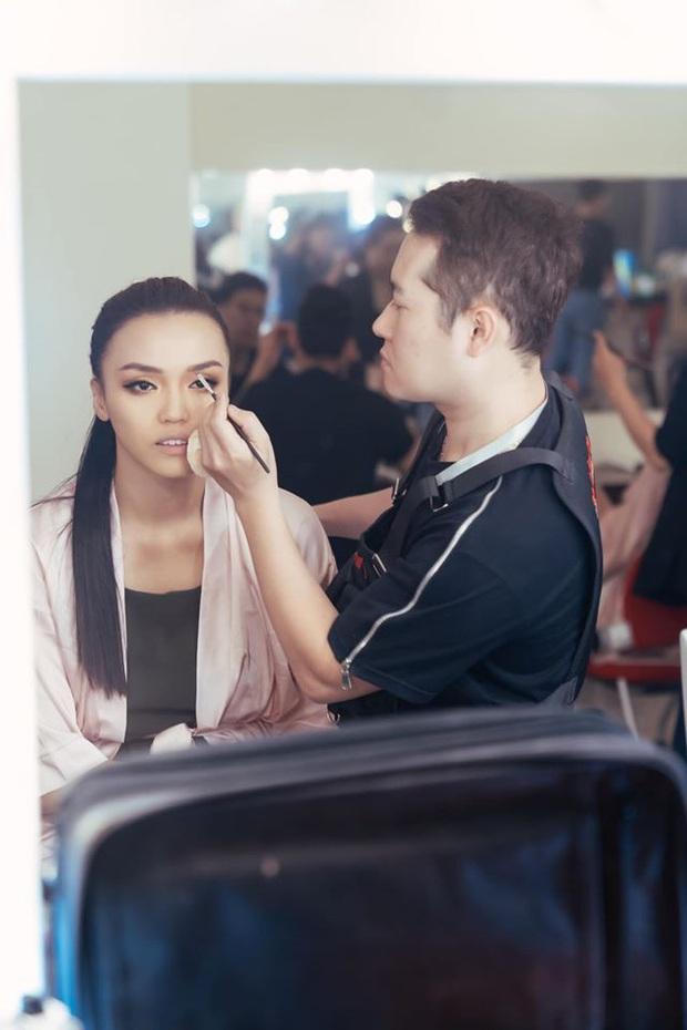 Đột nhập hậu trường Hoa hậu Hoàn vũ Việt Nam trước giờ G chung kết: Top 45 đã sẵn sàng bùng nổ để chinh phục vương miện - Ảnh 6.