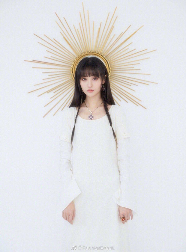 Trịnh Sảng đẹp đến nghẹt thở với bộ ảnh hoá thân thành nữ thần mặt trời, thần thái ngày càng xuất sắc và đẳng cấp - Ảnh 2.