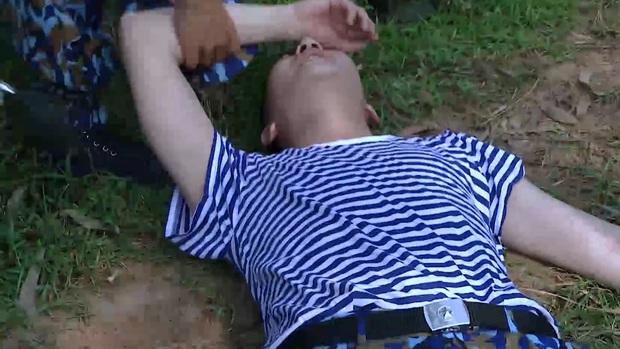 Sao nhập ngũ: B Trần ngã khuỵu dưới nắng, chân không thể đứng vì quá đau - Ảnh 9.