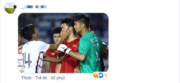 Fan đua nhau vào trang cá nhân của cầu thủ gốc Việt của Campuchia để luận công tội: Đánh người xấu xí nhưng lại tài tình sút trượt phạt đền - Ảnh 5.