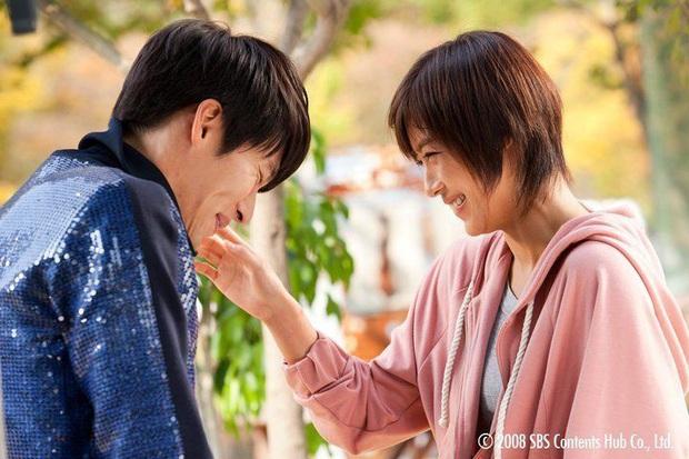 """Báo Hàn chọn 10 phim Hàn hay nhất thập kỉ: Đài cáp tvN """"thầu"""" gần nửa bảng, phim nào cũng thuộc diện nhất định phải xem - Ảnh 2."""