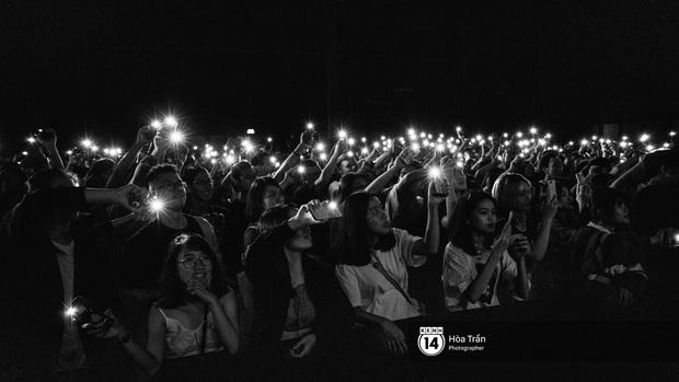 Liveshow đầu đời của Chillies Band: Đi qua mọi cung bậc tình yêu từ chiếc app hẹn hò Tinder đến Và thế là hết - Ảnh 23.