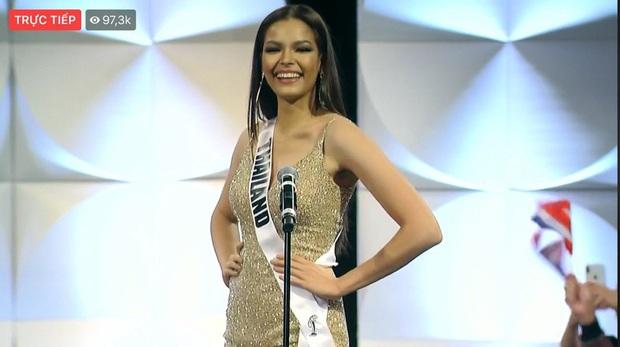 Hoàng Thùy xuất hiện ở vị trí vedette, hô to 2 tiếng Việt Nam đầy thần thái trong đêm thi bán kết Miss Universe 2019 - Ảnh 4.