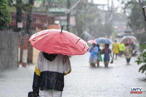 Miền bắc Philippines mưa bão tồi tệ nhất, 66.000 người sơ tán - Ảnh 1.