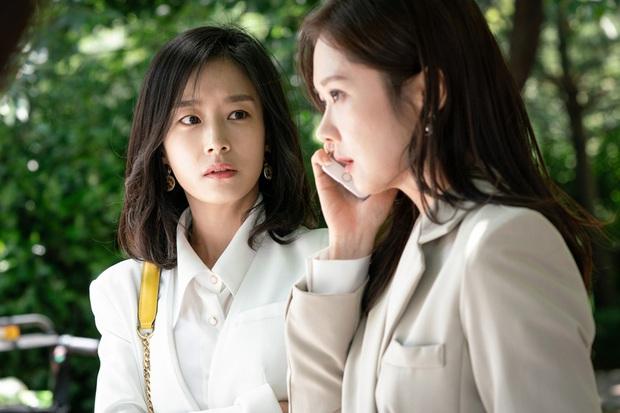 Review Vị Khách Vip: Kì án ngoại tình hấp dẫn nhất màn ảnh Hàn, tóm được tiểu tam lại thấp thỏm chờ Jang Nara trả thù - Ảnh 3.