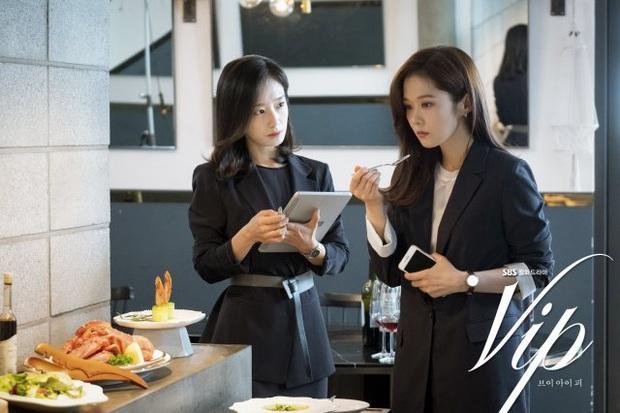Review Vị Khách Vip: Kì án ngoại tình hấp dẫn nhất màn ảnh Hàn, tóm được tiểu tam lại thấp thỏm chờ Jang Nara trả thù - Ảnh 6.