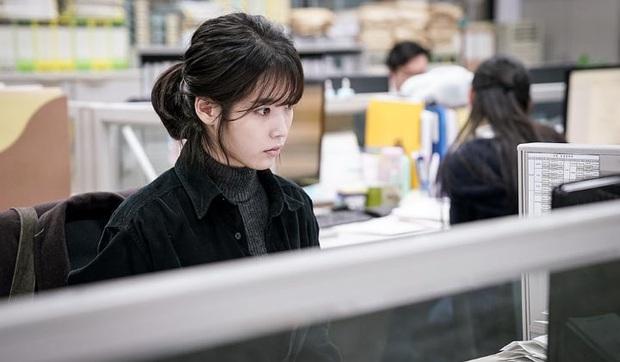 3 kiểu sếp gây nhức nhối trên màn ảnh Hàn: Kẻ mở miệng là tạo nghiệp, người cho nhân viên ăn hành sống qua ngày - Ảnh 3.