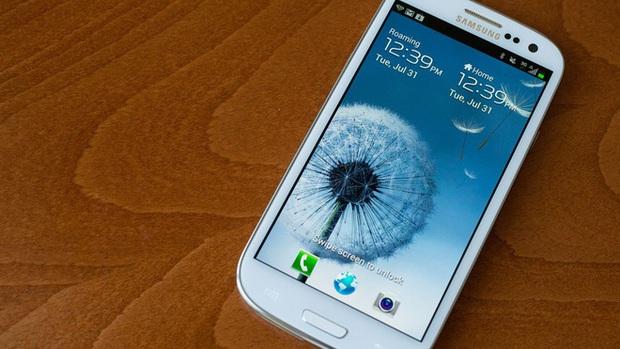 Nhìn lại Galaxy S III: Vị công thần giúp Samsung đánh bại đội quân iPhone hùng mạnh của Apple - Ảnh 1.
