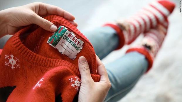 Áo len Giáng sinh là thủ phạm gây ra ô nhiễm đại dương  - Ảnh 1.